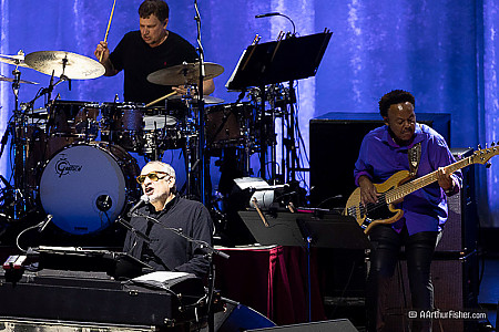 Donald Fagen, Keith Carlock, Freddie Washington of Steely Dan